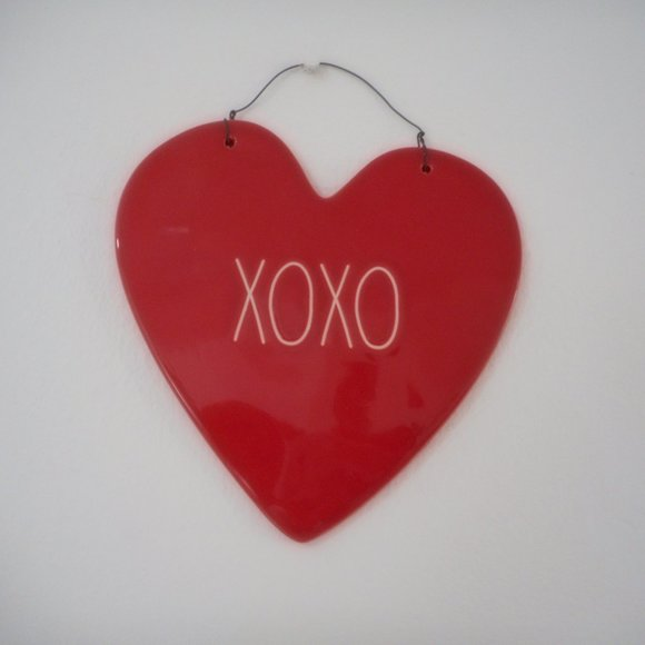 New RAE DUNN Xoxo Red Heart Wall Plaque Valentine